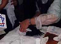 ペーパータオルなどで水気をふき取る。